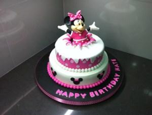 pesan kue minnie mouse